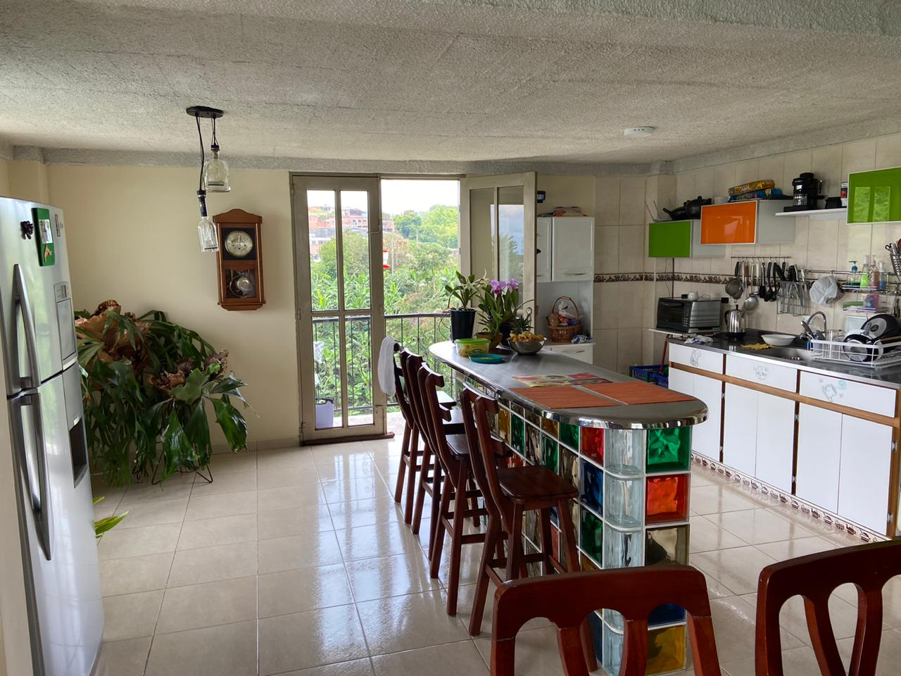 CÑVOC-0056 Se vende cabaña en Palestina, en conjunto cerrado.