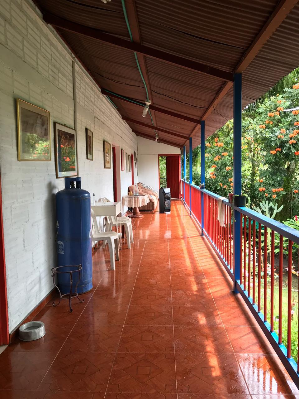 CÑVOC-0060 Se vende cabaña, en la vía Manizales – Medellín, sector San Bernardo del Viento.