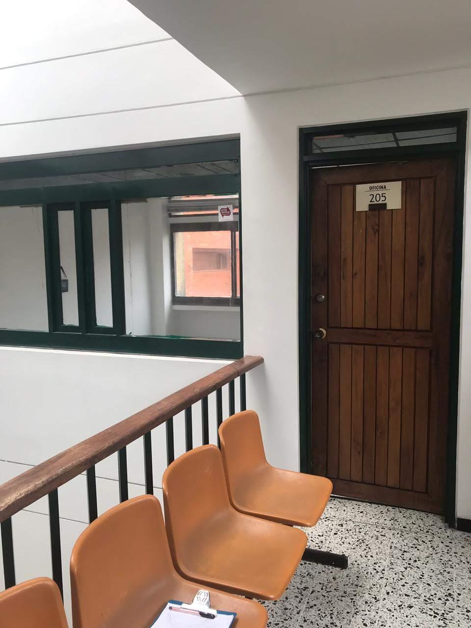 OFA-001 Se arrienda oficina en el centro de Chinchiná.