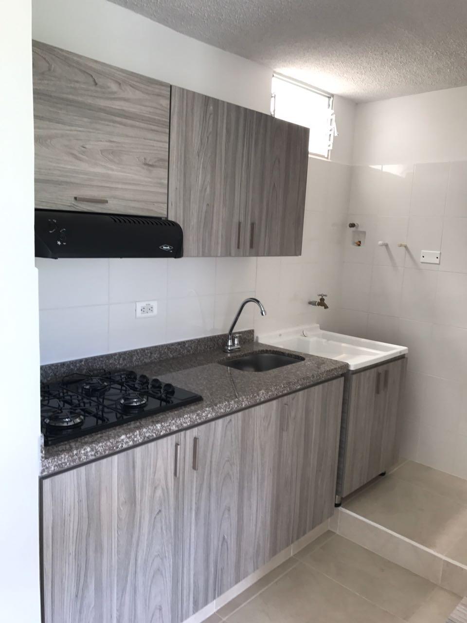 AVOC-0068 Se vende apartamento en Dosquebradas, sobre vía principal.