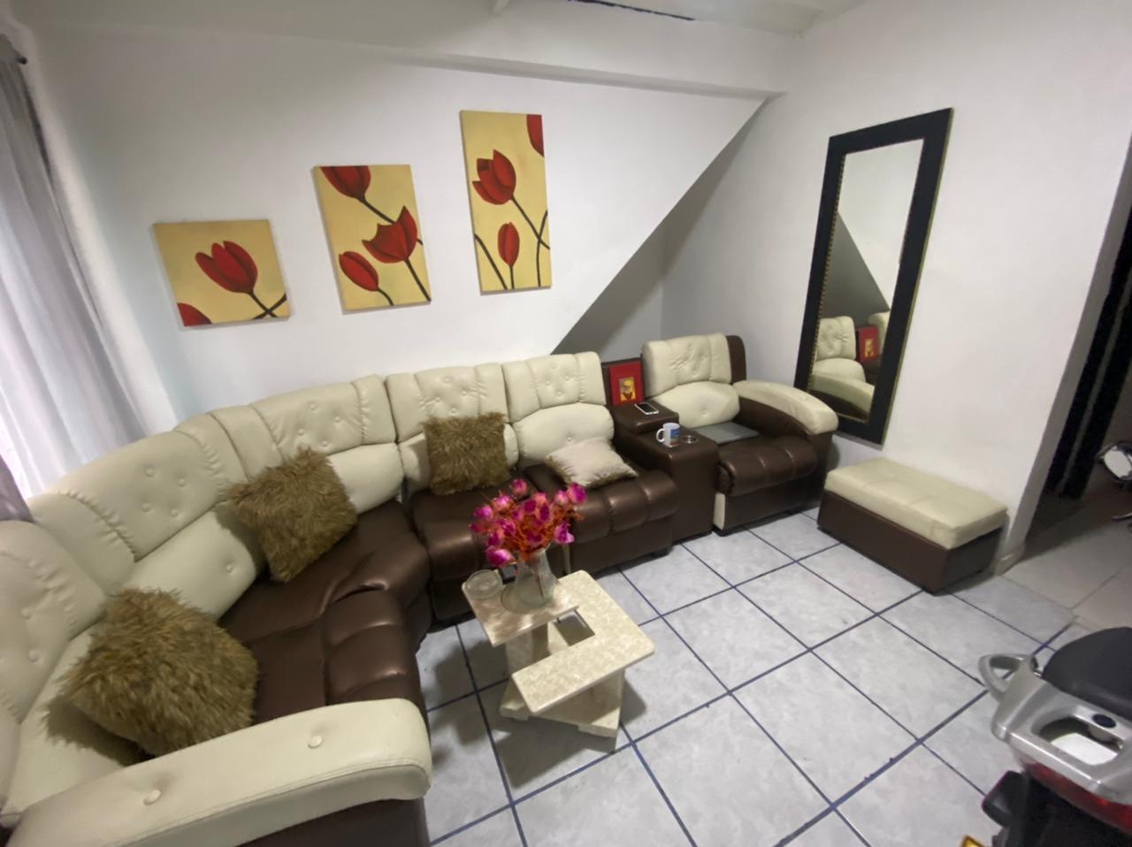 CV-0568 Se vende casa en Chinchiná, en sector comercial.
