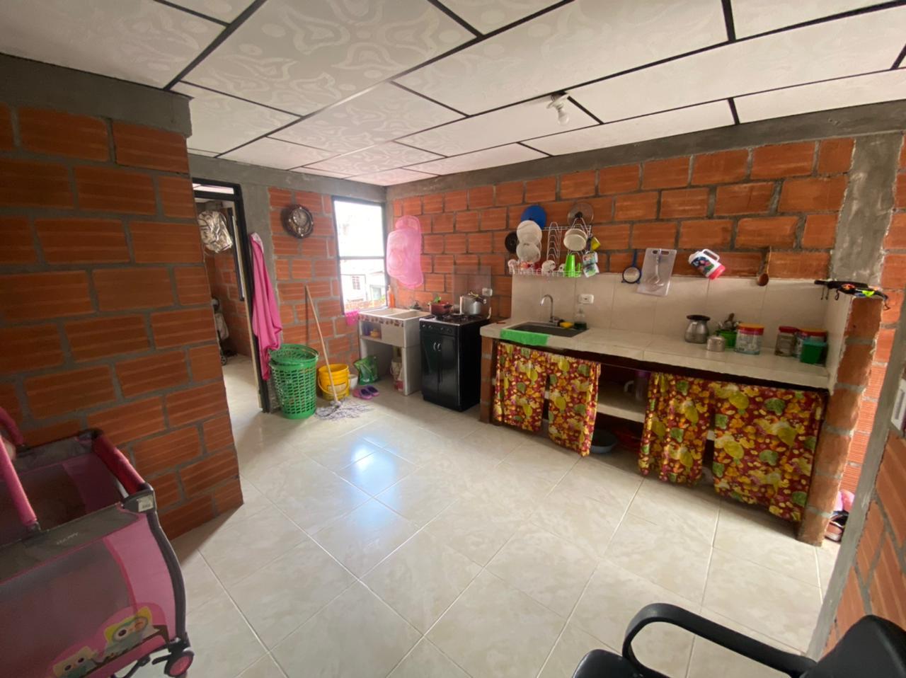 CV-0569 Se vende casa en Chinchiná.