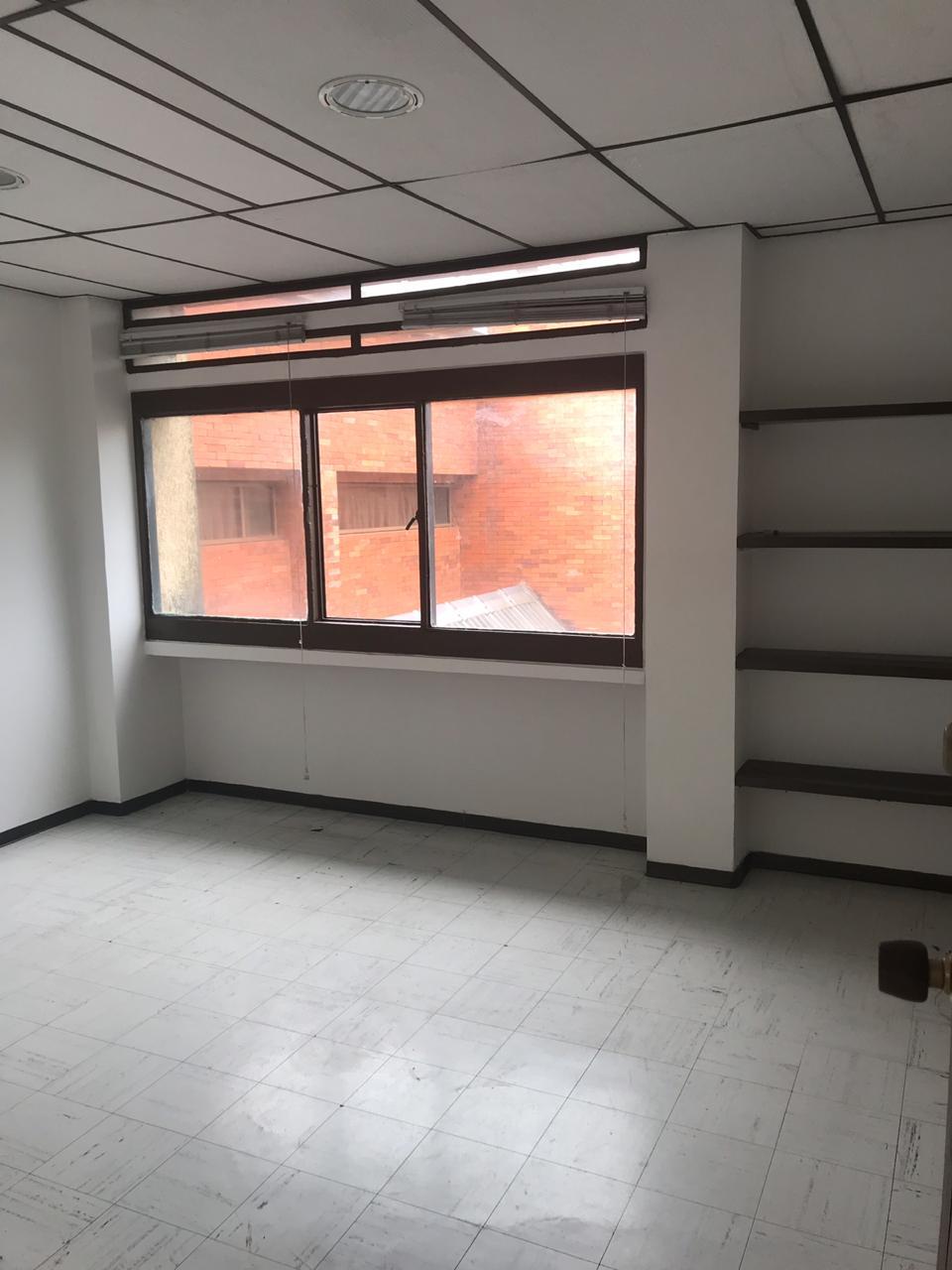 OFV-0002 Se vende oficina en Chinchiná.