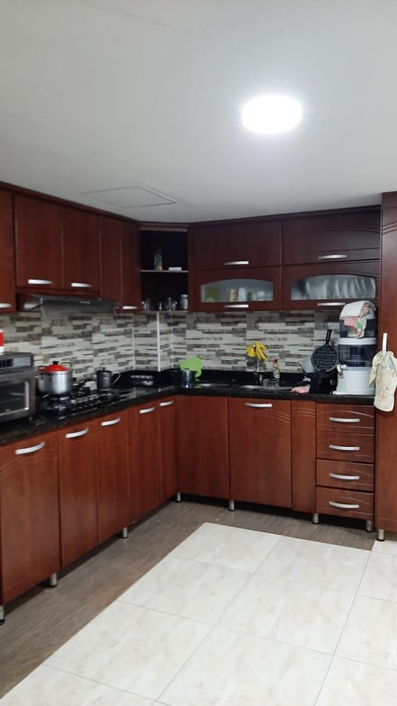 CV-0576 Se vende casa multifamiliar en Chinchiná, oportunidad de inversión.