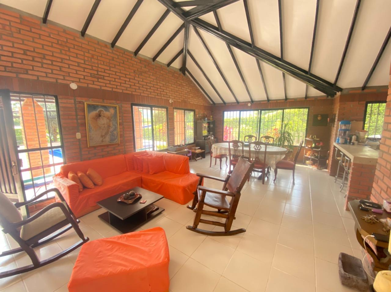 CÑVOC-0070 Se vende hermosa cabaña en Santágueda, sector turístico de Caldas.