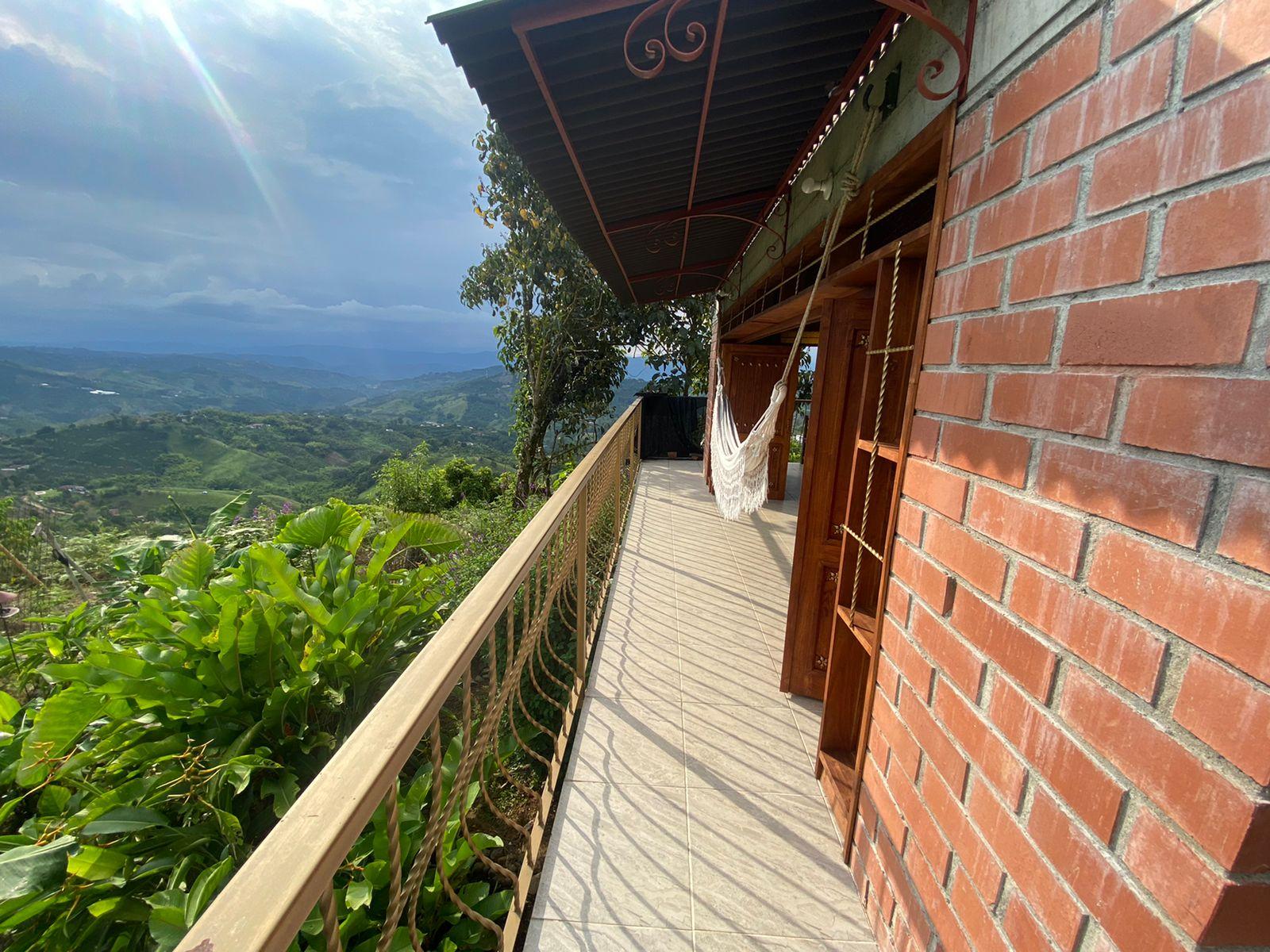 CÑVOC-0072 Se vende cabaña en Manizales, en el sector de San Peregrino.